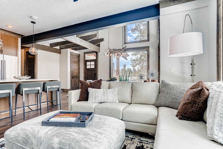 Living Room New Seasons at Keystone