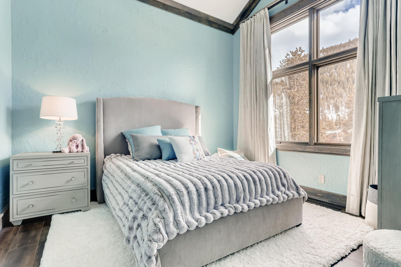 2nd Floor Bedroom - New Seasons at Keystone